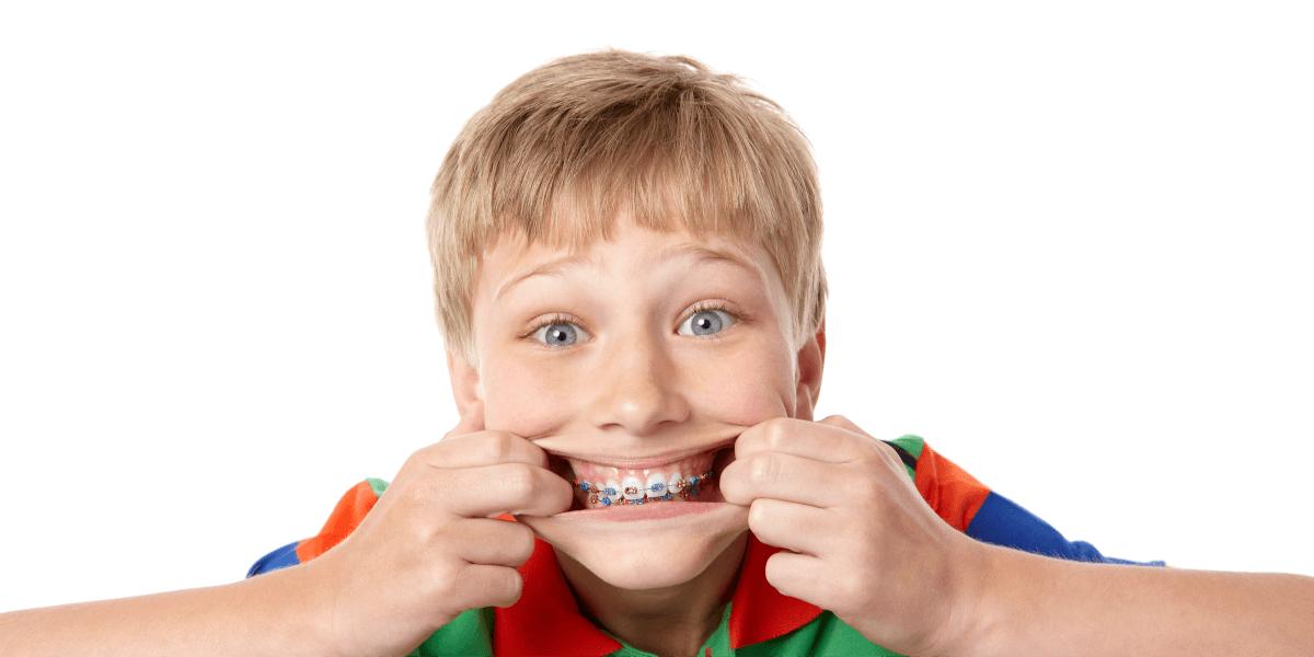 pret aparate dentare metalice Cluj
